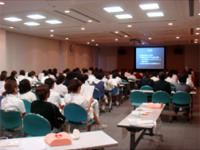 褥瘡研修会の講義中